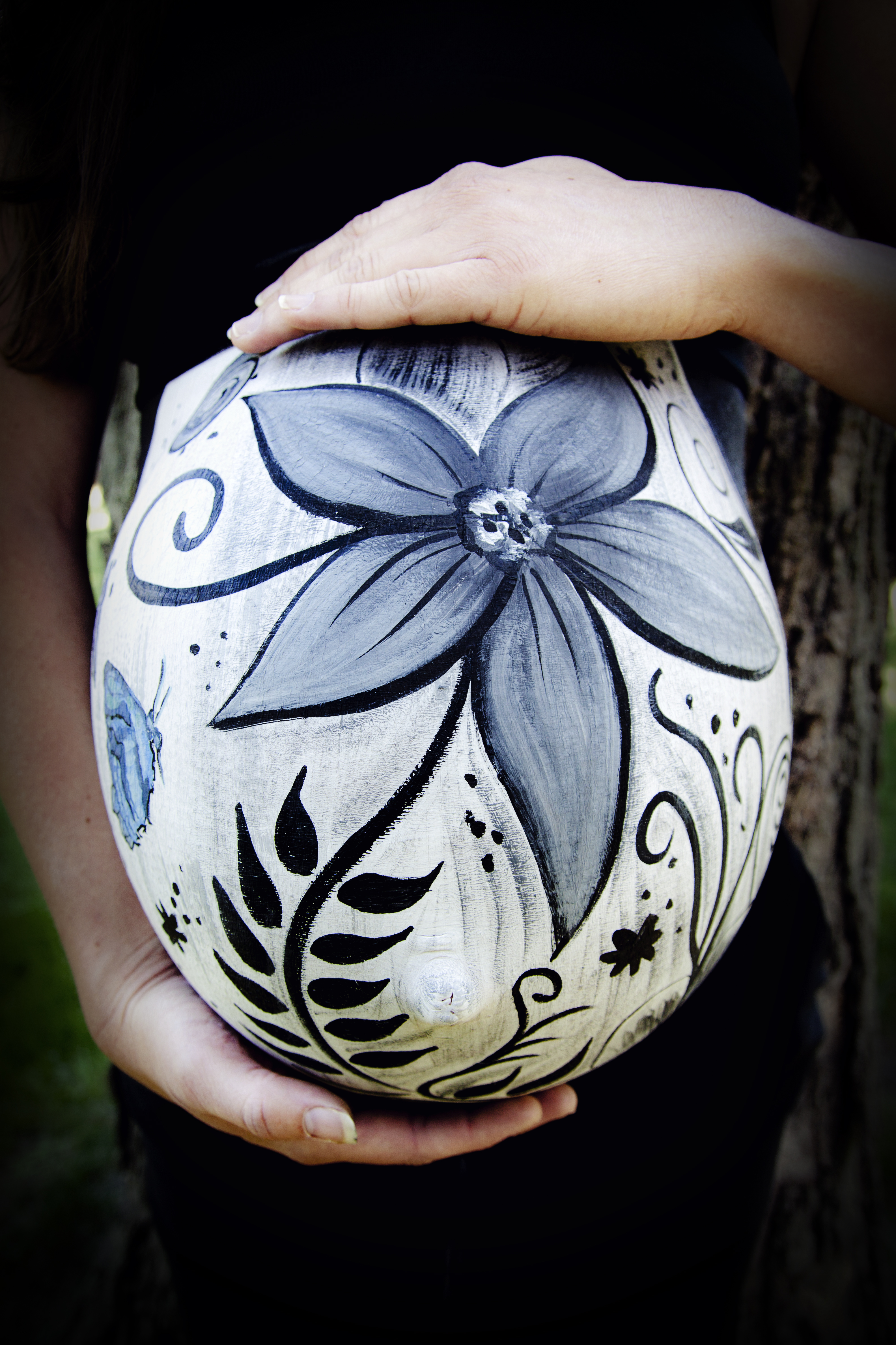 painted-belly-maternity-with-flowers-by-jen-seidel